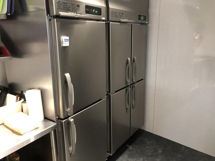 フォーサイトの社内キッチンスペース(冷蔵庫)